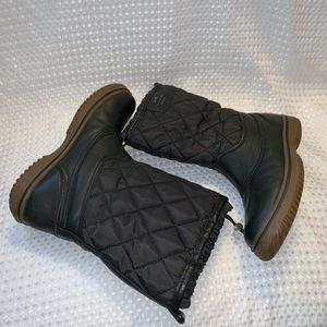 Coach Shoes - Coach Samara quilted/leather boots size 6.5 GUC